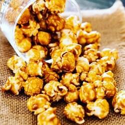 🌿🍓💧Tadımız da doğallık ve tazelik var✨🍿👉Bilgi ve sipariş için #dm👈  Mutluluk üretiyoruz 😊  #festivagıda #popcorn #gourmetpopcorn #karamel #çikolata